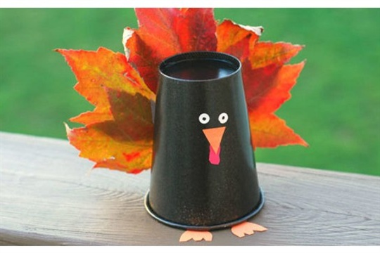 Simple and fun fall family crafts