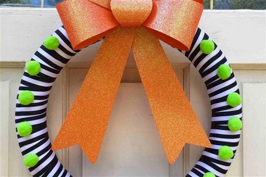 Simple And Festive Halloween Wreath Tutorial