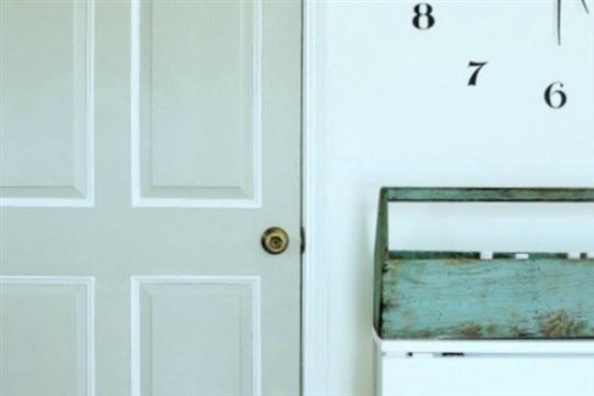 How to Transform a Builder's Door