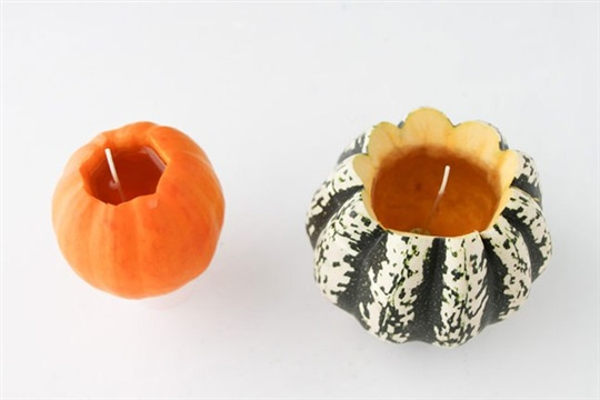 DIY Pumpkin Scented Candles with Soy Wax for Fall Entertaining