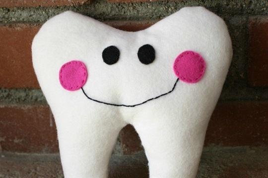 Felt Tooth Fairy Pillow Tutorial