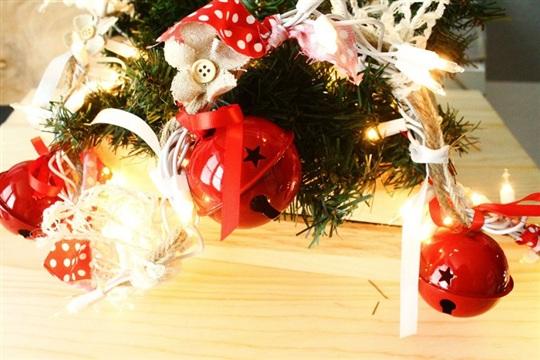 DIY Christmas Garland Jingle Bell