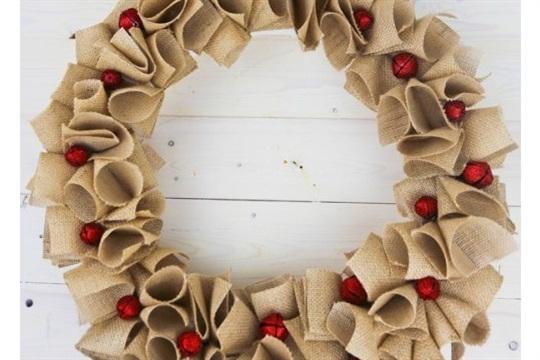 DIY Holiday Burlap Wreath