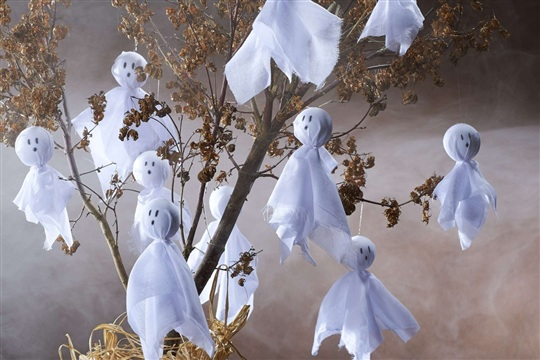 How to Make a Spooky Ghost Tree